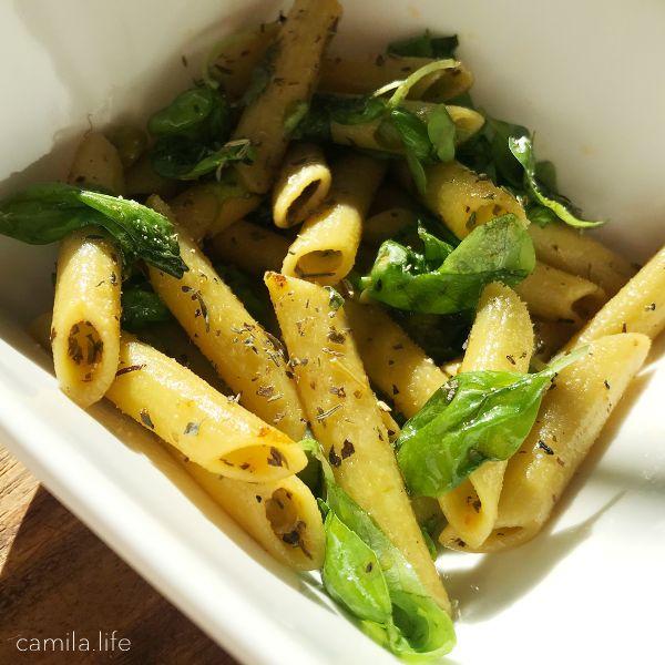 Easy Penne LOVE - Vegan Recipe on camila.life