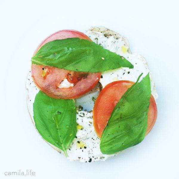 Bagel LOVE - Vegan Recipe on camila.life